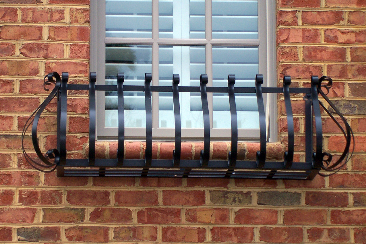 iron-window-box-024