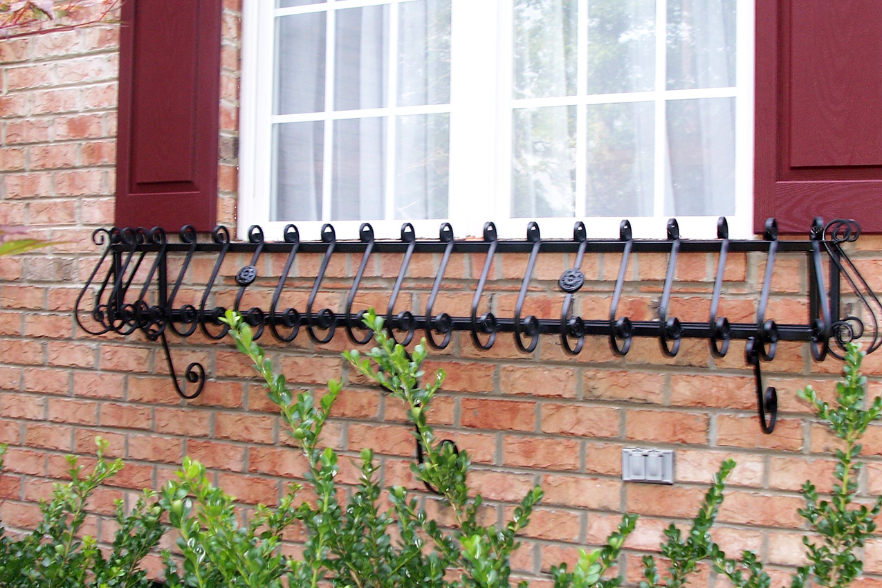 iron-window-box-035
